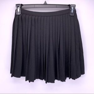 American Apparel Black Pleated Mini Skirt Sz M